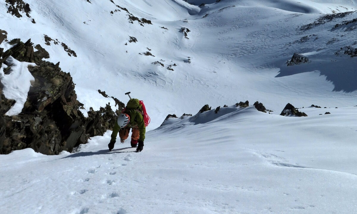 week-end initiation à l'alpinisme hivernal avec bivouac