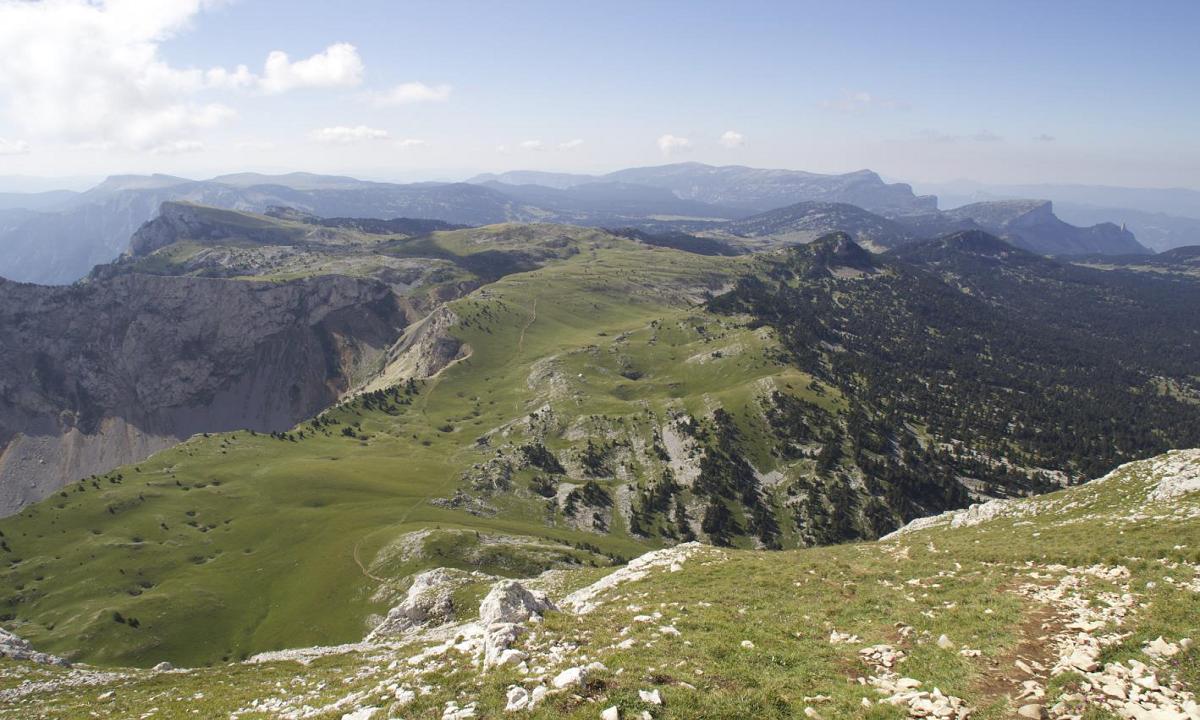 Randonnée découverte des hauts plateau du Vercors et ascension du grand Veymont